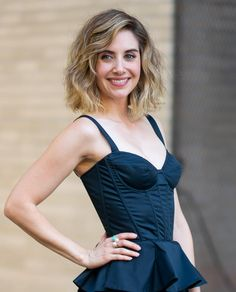 Alison Brie Is Back to Her Zoya the Destroya Hair Color (With a New Blunt Bob To Boot) Alison Brie Glow, Straight Across Bangs, Short Textured Bob, Short Bobs With Bangs, Stacked Bob Hairstyles, Hair Icon, Prettiest Actresses, Blunt Bob, Trending Haircuts