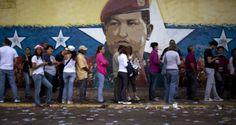 """¡DIFUNDIR LA VERDAD ES UN GRAVE DELITO!  Expulsan a periodista chileno por """"grabar sin permiso"""" colas en Venezuela"""