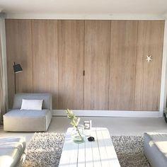 Maatwerk kast helemaal klaar incl. stalen grepen van #prodinter #blij #maatwerk #eiken #woonkamer #wit #white #kerst #legertafel #interior #interieur #interieurontwerp #interieurstyling #interiors