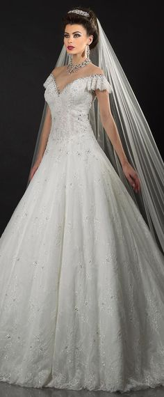 Gorgeous Lace Jewel Neckline Ball Gown Wedding Dresses With Beadings