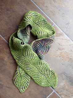 Ravelry: Hosta Brioche Scarf pattern by Nancy Marchant This is simply beautiful! I love the solid with the subtle variegated yarn!
