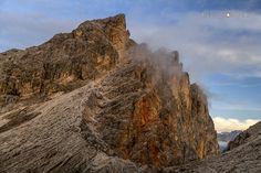 https://flic.kr/p/ZrZSTp | 170782  Dolomites crests
