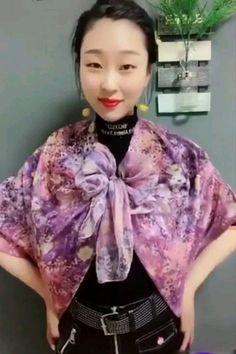 If you could wear a 1 yard strip of fabric, the world would be your runway Diy Clothes Design, Diy Clothes And Shoes, Clothes For Women, Scarf Knots, Diy Scarf, Diy Fashion, Fashion Dresses, Fashion Tips, Scarf Dress