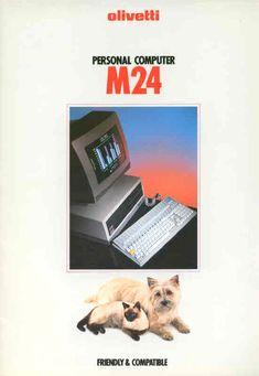 """Una pubblicità del computer Olivetti M24, uscito nel 1984. La presenza della coppia """"cane-gatto"""" sottolinea la caratteristica principale della macchina, vale a dire la compatibilità con qualsiasi programma allora in commercio (compatible) e la facilità di utilizzo del computer stesso"""