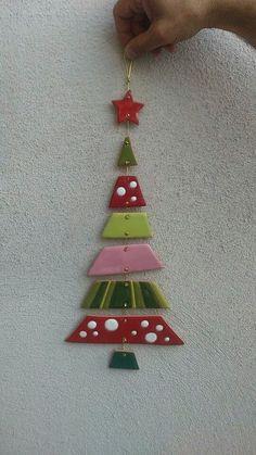 ceramica come mestiere: Albero di Natale in ceramica. Originale e colorato. Decorazione natalizia.