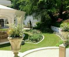 Modern Homes Garden Designs