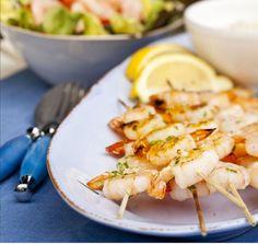 Jättikatkarapuvartaat, resepti – Ruoka.fi Chili, Shrimp, Meat, Food, Chilis, Meals, Yemek, Chile, Eten