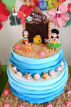 Fantastic cake at a Hawaiian Luau Birthday Party! | CatchMyParty.com  #hawaiian