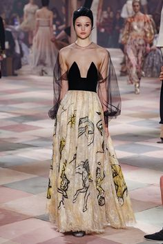 Christian Dior Spring 2019 Couture Fashion Show - Vogue Dior Haute Couture, Christian Dior Couture, Couture Week, Spring Couture, Christian Lacroix, Couture Ideas, Dior Fashion, Fashion Week, Trendy Fashion