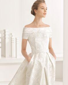 Nambia traje de novia y cola de raso duquesa / brocado fantasia / mikado de seda.