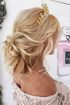 Unbelievable Killer Swept-Back Wedding Hairstyles ❤ See more: www.weddingforwar… #weddings #hairstyles  The post  Killer Swept-Back Wedding Hairstyles ❤ See more: www.weddingforwar… #weddi ..