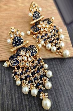 Gold And Silver Earrings Product Antique Jewellery Designs, Fancy Jewellery, Gold Earrings Designs, Trendy Jewelry, Antique Jewelry, Indian Jewelry Earrings, Indian Jewelry Sets, Ear Jewelry, Silver Jewelry