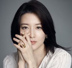 Lee Young Ae (b.1971)