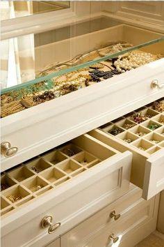#organizeit #organize #organization #jewelry #dresser #dream #clean #modern