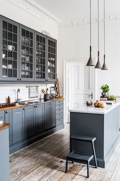 6 Amazing Tips Can Change Your Life: Long Kitchen Remodel Butcher Blocks kitchen remodel awesome.Small Kitchen Remodel Before And After small kitchen remodel contemporary.Small Kitchen Remodel Before And After. Home Kitchens, White Kitchen Remodeling, Kitchen Remodel Small, Kitchen Design, Kitchen Cabinet Design, Kitchen Decor, Modern Kitchen, New Kitchen, Kitchen Interior