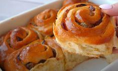 Τα Ψωμάκια με μέλι και σταφίδες που θα αγαπήσεις! Onion Rings, Doughnut, Pancakes, Sweets, Bread, Cookies, Breakfast, Ethnic Recipes, Desserts