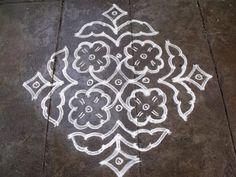 Rangoli designs/Kolam: S.No 95 - Ner Pulli Kolam Rangoli Kolam Designs, Rangoli Designs Images, Rangoli Designs With Dots, Rangoli Ideas, Kolam Rangoli, Rangoli With Dots, Beautiful Rangoli Designs, Simple Rangoli, Muggulu Dots