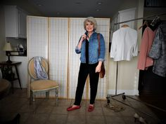Basic wardrobe pieces in a neutral solid color allow you to create many different looks. Keep in mind that your basics can be any color. Black works best for me because of my coloring, but you could a Over 60 Fashion, Over 50 Womens Fashion, Fashion Over 50, Fashion Women, Women's Fashion, Work Fashion, Basic Wardrobe Pieces, Wardrobe Basics, Capsule Wardrobe