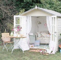 Magnificent >> Shabby Chic Interior Design Style :-)