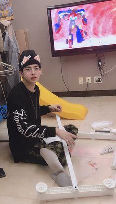#Subin ~ #Victon Paul Kim, Kpop Gifs, Cute Love Wallpapers, Cute Teenage Boys, Imagines, Your Boyfriend, Kpop Boy, Boyfriend Material, Pretty Pictures