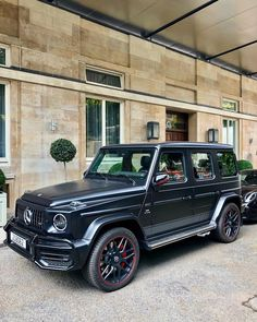 Best cars mercedes suv g class 55 ideas Mercedes G Wagon, Mercedes Benz Models, Mercedes Benz Amg, Gwagon Mercedes, Most Reliable Suv, Best Midsize Suv, Toyota Rav4 Hybrid, Suv Comparison, Buick Envision