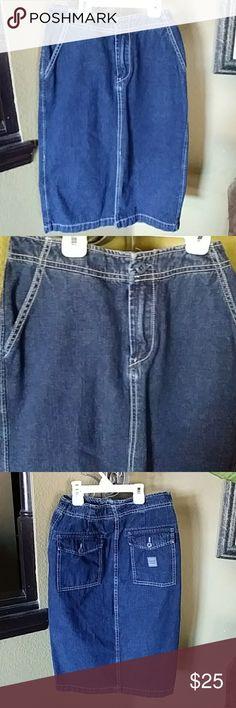 Lucky Brand Denim SKIRT Sm slit in front an front pockets an back pockets Lucky Brand Skirts Midi