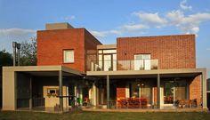 Vivienda Unifamiliar : Casas modernas de AGUIRRE+VAZQUEZ: