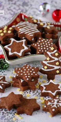 Galletas de chocolate y mazapán. Receta de Navidad Christmas Sugar Cookies, Christmas Desserts, Christmas Treats, Gingerbread Cookies, Christmas Time, Brownie Cookies, Fun Cookies, Minnie Mouse Birthday Cakes, Biscuits