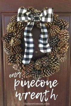 Diy Fall Wreath, Wreath Crafts, Diy Crafts, Easy Fall Wreaths, Spring Wreaths, Pine Cone Decorations, Christmas Decorations, Handmade Decorations, Couronne Diy
