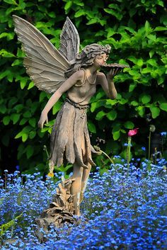 Fairy garden sculpture. . .  ❤️♥ ( *.^.* ~...☮R☮R♔2015♔...~ *.^.* ) ♥