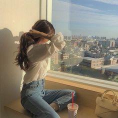 girl, fashion e beautiful imagem no We Heart It Korean Girl Photo, Korean Girl Fashion, Cute Korean Girl, Asian Girl, Girl Pose, Uzzlang Girl, Korean Aesthetic, Aesthetic Girl, Beige Aesthetic