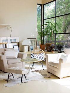 http://insidecloset.com/magali-montreuil-13/ , salon, living room, fauteuil en rotin