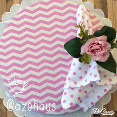 Sousplas chevron com guardanapo de bolas e porta guardanapo de flor! Um charme para a sua mesa!!!! Compre na azehaus : contato@azehaus.com