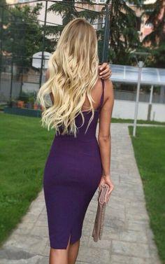 Street style | Flattering navy dress