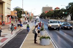 More bicycle lanes and pedestrian roads were constructed in Austin last year: see the highlights of Neighborhood Plan Implementation