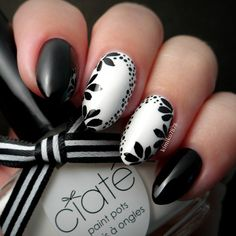 I created this mani using 'Unrestricted Glam' and 'Snow Virgin' both from @ciatelondon! #ciatelondon