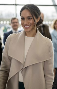 Meghan Markle Photos - Meghan Markle smiles during her visit to the Eikon Centre wuith Prince Harry to attend an event to mark the second year of the youth-led peace-building initiative 'Amazing the Space' on March 23, 2018 in Lisburn, Nothern Ireland. - Prince Harry And Meghan Markle Visit Northern Ireland
