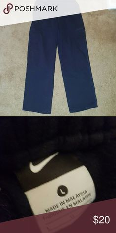 💕SALE💕Men's Nike sweatpants Black sweatpants, side pockets, some piling in crotch ✅Make an offer ✅Negotiations welcome 🚫No trades 🚫No PayPal Nike Pants Sweatpants & Joggers