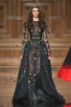 Tony Ward Couture Fall Winter I Style 34 Couture Fashion, Runway Fashion, High Fashion, Fashion Fall, Emo Fashion, Pretty Outfits, Pretty Dresses, Fantasy Dress, Beautiful Gowns