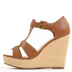 Pimkie.fr : On aime le look boho des sandales compensées.  J'ai les mêmes mais en noir :)