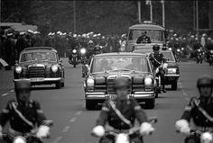 Queen Elizabeth II in Berlin motorcade