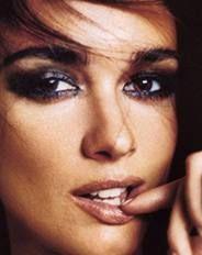 Blue eye make-up for brown eyes