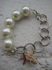 Pulsera de perlas con cadena