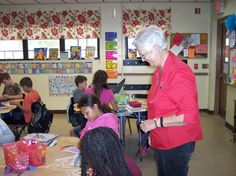 The Mayo Woman's Club members facilitated a greeting card activity for fourth and fifth graders at Lafayette Elementary School on Nov. 15.