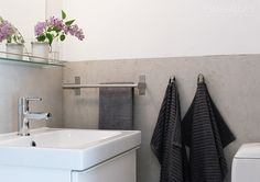 mikrosementti - Google-haku Toilet, Sweet Home, Bathtub, New Homes, Diy, Bathrooms, Home Decor, Laundry, Heart