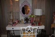 Hanna Marin (Ashley Benson)  Pretty Little Liars bedroom and vanity with mirror #PLL  Bedrooms