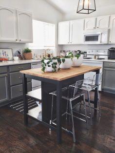 Nuestra Vida Dulce: Light It Up [times three! Kitchen Island Table, Kitchen Island With Seating, Kitchen Sets, Ikea Kitchen, Home Decor Kitchen, Kitchen Interior, Home Kitchens, Kitchen Design, Industrial Kitchen Island
