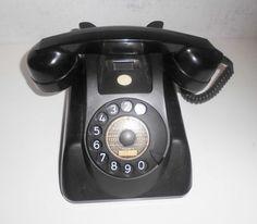 Online veilinghuis Catawiki: Zwart bakeliet tafeltoestel Heemaf type 1955 uit 1964