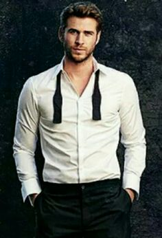 Liam Hemsworth :)