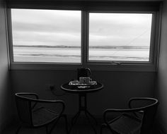 Un thé avec vue sur mer ?  #blackandwhite #bnw #blackandwhitephotography #instablackandwhite #window #bestview #Landscape #horizon #photooftheday #instadaily #instagood #amazing #beautiful #bestoftheday #art #igtravel #all_shots #mytravelgram #travel #traveling #visiting #instatravel #instago #trip #travelling #tourism #instapassport #instatraveling #travelgram #travelingram